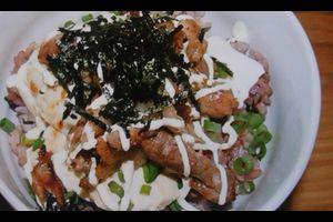 12月6日(火曜)~12日(日曜)のはちだいCafeの600円ランチは、豚と豆腐のあったか丼です。