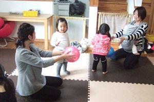 リトミック1歳児『うさぎ組』~おにぎり~
