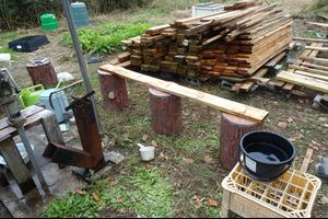 【動画】新しい小屋計画 汚れた板を洗う