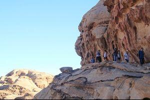 Totally Jordan 8 Days - On the Go Tours - Day 6 Finally Petra !