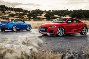 Audi TT RS Coupe & TT RS Roadster [2017]