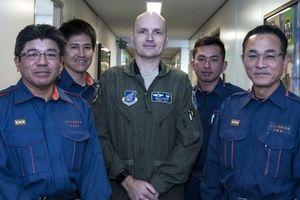 沖縄で米軍大佐が事故現場で人命救助っ!御礼の凸をしようっ!