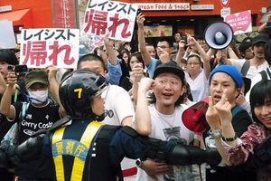 何故日本人が嫌韓なのか自分に問いかけてみろよ!嫌われる理由なんて山ほどあるだろ ~ 李信恵「なぜ在日は反日と思うのか、自分に問いかけてみよう。差別するための理由を探してるだけだよ」@rinda0818