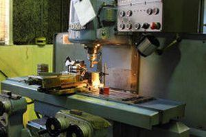 機械加工部門、設備機器