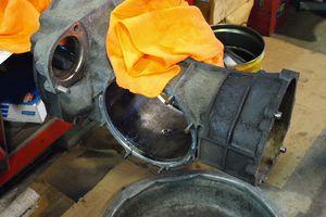 メキシコビートル用トランスミッションの修理