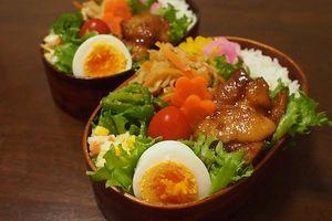 9月23日 鶏のくわ焼き弁当 と はちみつパン
