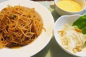 キャベツは高級野菜 & 餃子とナポリタン