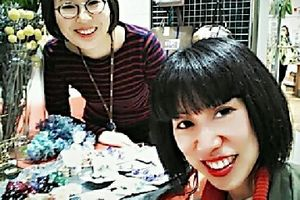 友だちのマリちゃんが、アクセサリーデザイナーになっていた❗Mari, she is friend of mine , became a accessories designer !!!