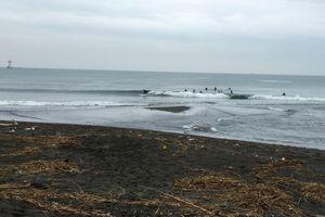 9/24花水波情報!ミドルからブレイクするモモセット腰のレギュラー形良い波!