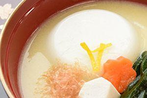 宅配食の宅配弁当で、ムース食仕上げでお届けして、美食市の幻のりんご「こうとく」を頂きましょう!