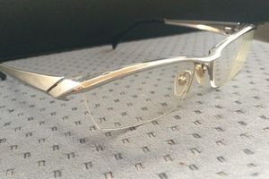 メガネの原因