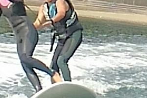大型サーフィン、完成