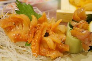 肌寒い日ぃには寿司喰うて熱燗くぃ~~っと♪「元祖ぶっち切り寿司 魚心 南店」なんば