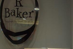 R Baker@渋谷