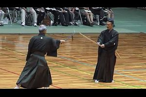 日本の古武道「二刀神影流鎖鎌術」のデモンストレーション 海外の反応