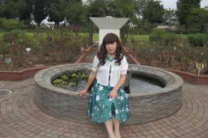 緑地に白の花柄のワンピース(1)