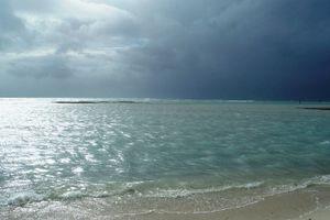 久米島 はての浜 またもや台風が・・・
