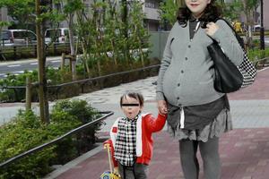 続・久しぶりの妊婦女装(2)
