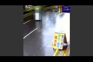 道路を全力疾走するアレが台湾で目撃された!?