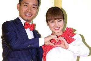 長友佑都、平愛梨とのラブラブ写真公開に「そんなことしてる場合か!」の罵声