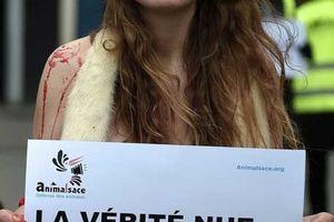 【裸族の抗議】「毛皮を買わないで」寒空の下 パンティ一枚で抗議、フランス