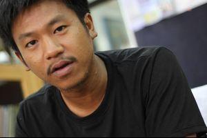 警察、殺到して学生運動家のダーオディン逮捕、タイBBCの記事をシェアしたことで、112条の起訴事実
