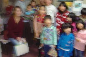 「みんなでいっしょに音楽しましょ~ハンドベルでクリスマスソング」教室クリスマス会を行いました♪