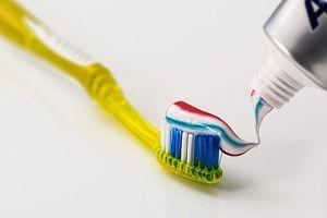 科学者は、歯磨き粉の成分がガンを引き起こすと考えている