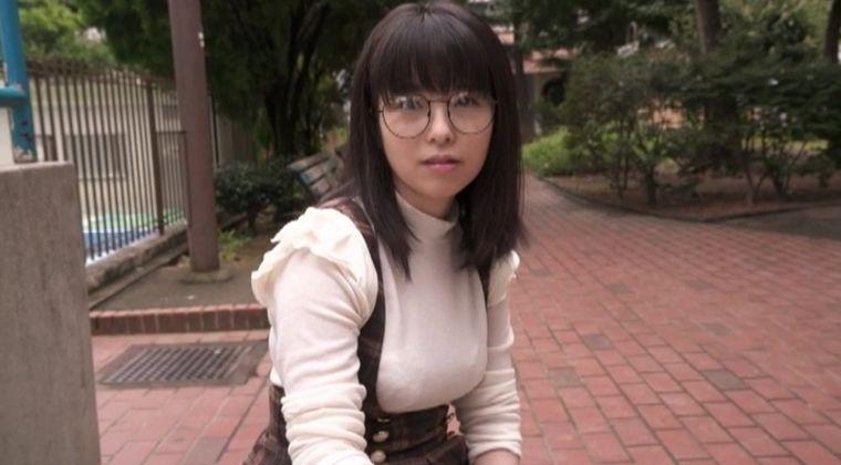 【画像】地味メガネ巨乳とかいう新ジャンルww