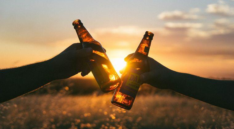 「ビールが出るよ」下半身を露出した男が、男子高校生に声をかける事案が発生