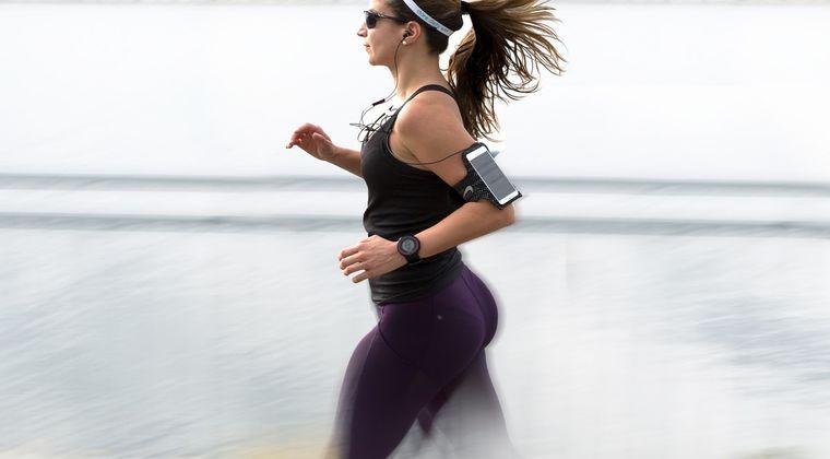 【悲報】ランニング始めて半年くらいになるけど、走ってる間ガチ暇すぎる