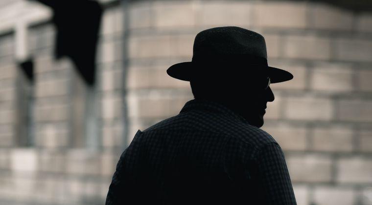 探偵のバイトしようと思うんやがどう思う?
