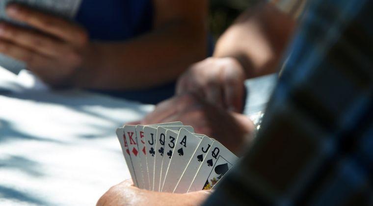 同人カードゲームって儲かると思うんだけどどうだ? #同人ゲーム