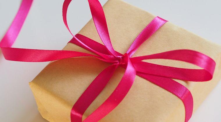 ワイキモ声豚、声優のお渡し会でプレゼントを渡す事を決意