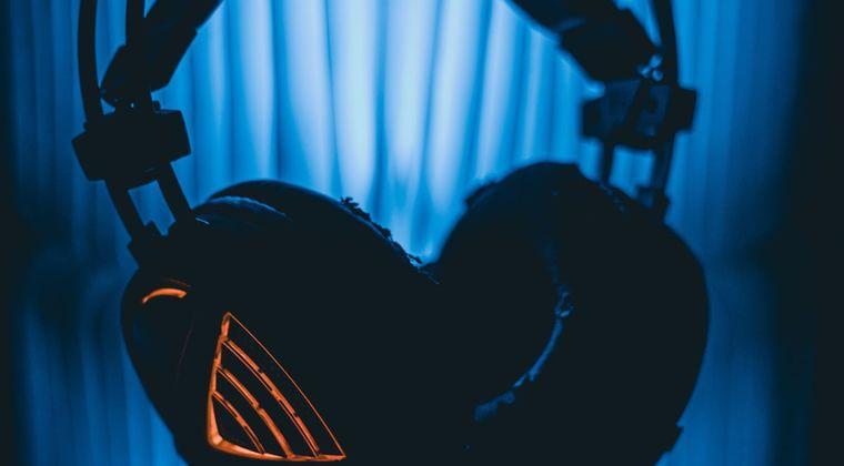 【画像】ヘッドホン依存の恐怖 #ヘッドホン