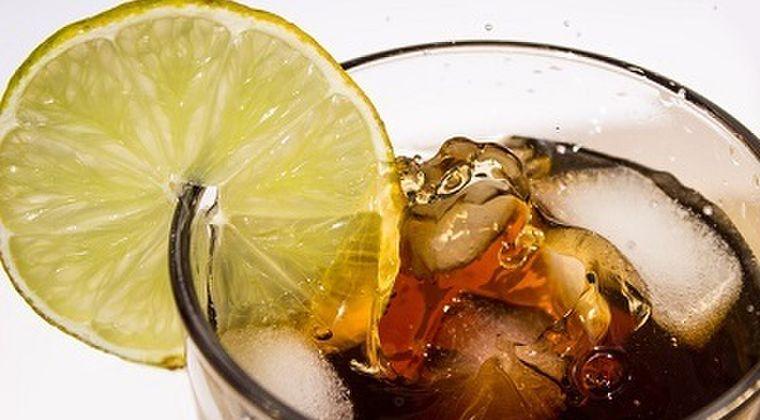 胃の全摘後に飲む炭酸飲料、コーラとビールの違いに今さら気付いた件