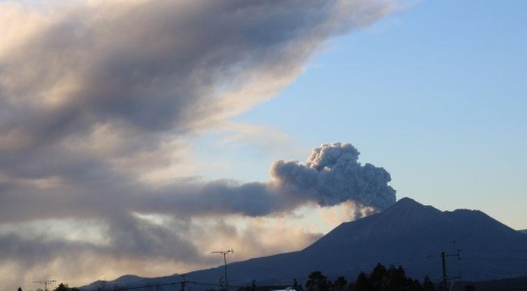【鹿児島】気象庁「新燃岳で小規模な噴火の可能性あり」…火山性地震150回近く観測