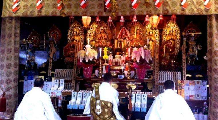 【僧衣でできるもん】中国「日本の仏僧は肉を食べ、酒を飲み、結婚し妻帯が可能。なぜ出来るのか?」堂々と戒律を破る日本の「偽の仏僧」がいるのを知り驚愕