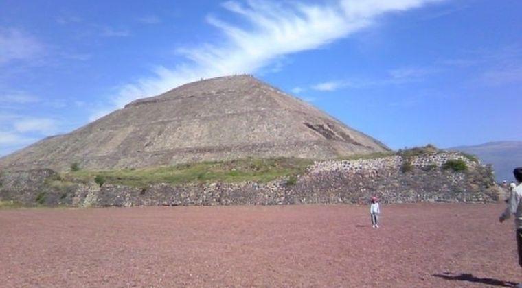 【遺跡】メキシコにある「月のピラミッド」…地下に「死後の世界」への入口があるのを発見
