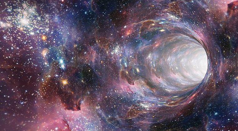 ブラックホールをワープに利用できる可能性あり…これにより「タイムトラベル」が実現できる?