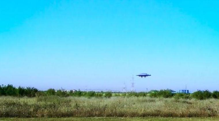 【宇宙人】ドローンを「円盤型UFO」の形にすると効率よく飛ぶということが判明