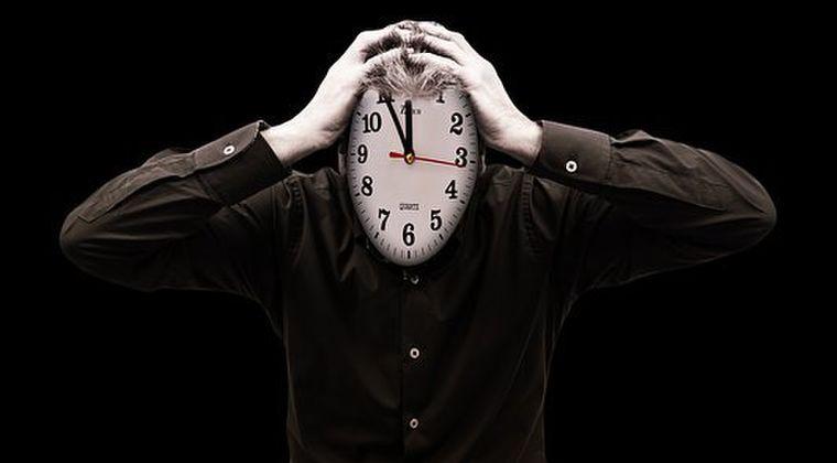 【時間】お前ら「過去視」か「未来視」だったら、どっちを選ぶ?
