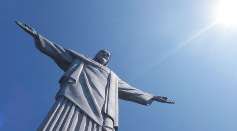 【不吉】先日の山形の地震で「キリストとザビエル」石膏像が祭壇から落ち「首」だけが取れてしまう