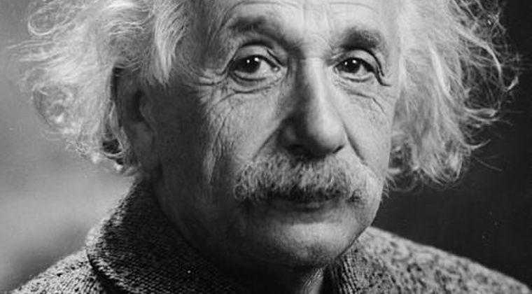 【天才】アインシュタイン「宇宙にはブラックホールってのがあると思う」 ← これ、凄すぎないか?