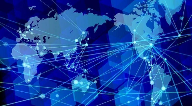 人類が発明した三大過ち → 「核兵器」「インターネット」「」あと一つは何だと思う?