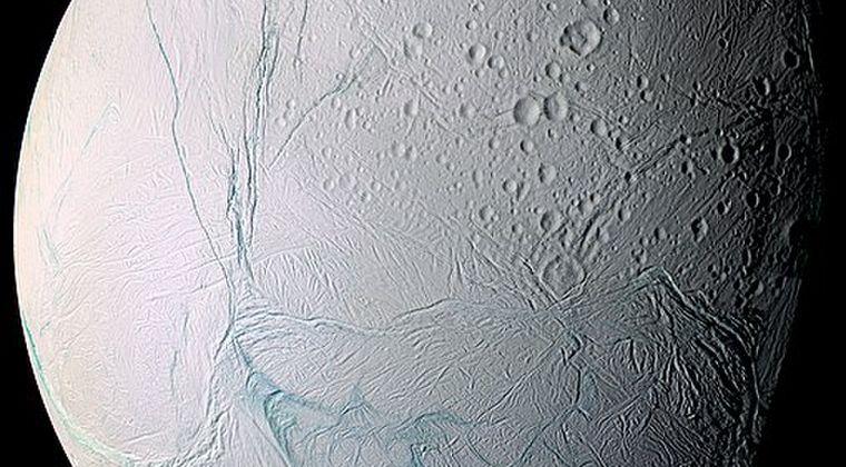 土星の衛星「エンケラドゥス」で新たな有機化合物が検出される!地球外生命の可能性