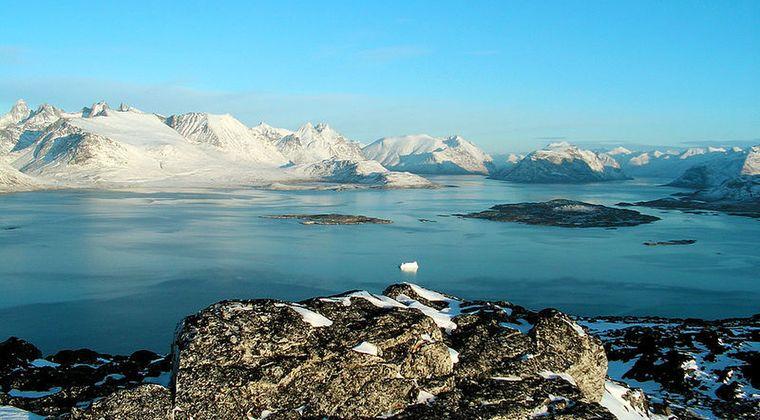 【気候変動】BBCがグリーンランドの「氷河」を15年ぶりに取材…研究者ら「氷解速度に驚愕」その驚異の変化とは?