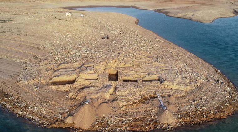 【イラク】干ばつによって発見された3400年前の神秘的な宮殿がこちら…幻のミタンニ王国を発見か