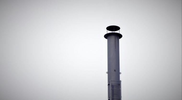 【東京電力】福島第一原発の排気筒で汚染した「高濃度の雨水」が地中に漏えい