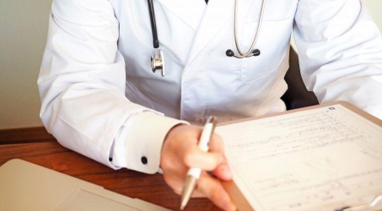 【新型コロナ】内科医「連日、感染が疑わしい患者が来ているが重症でなければ検査すらできない政府の基準はおかしい」